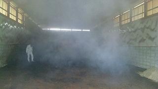 堆肥舎 煙